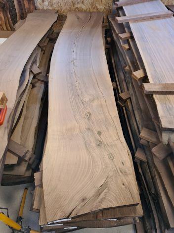 Europæisk Valnød Planke 288 * 55/50/58 * 4,4 cm