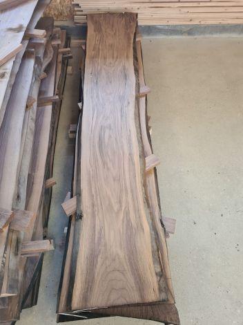 Amerikansk Valnød Planke 310 * 43/45/58 * 4,7 cm