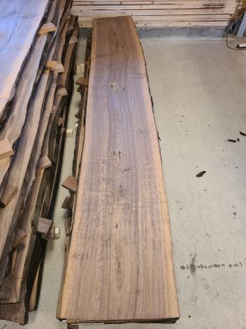 Amerikansk Valnød Planke 305 * 50/50/46 * 5,6 cm