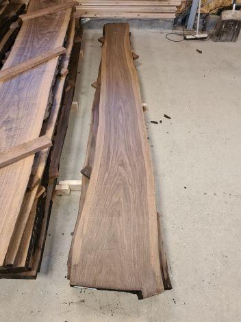 Amerikansk Valnød Planke 300 * 48/38/33 * 4,6