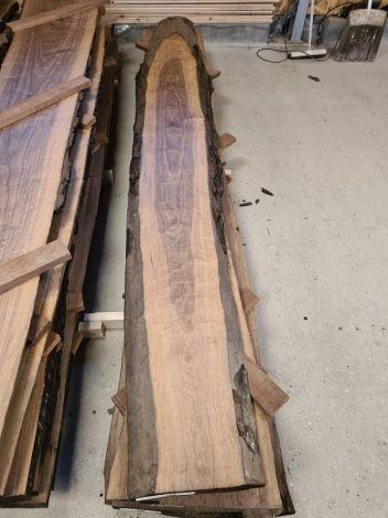 Amerikansk Valnød Planke 305 * 35/38/35 * 5,1 cm