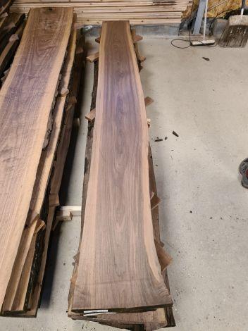 Amerikansk Valnød Planke 286 * 36/39/30 * 5 cm