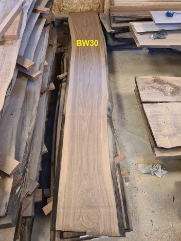 Amerikansk Valnød Planke 314 x 44/47/51 x 4.8 cm
