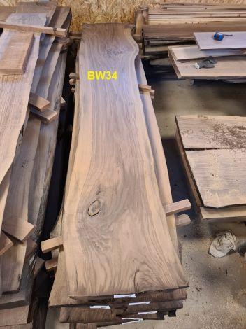 Amerikansk Valnød Planke 252 x 47/43/49 x 4.8 cm