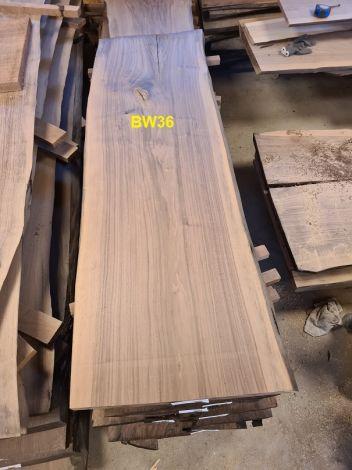 Amerikansk Valnød Planke 169 x 54/56/53 x 4.8 cm
