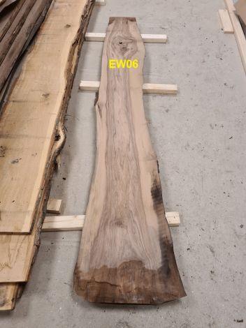 Europæisk Valnød Planke 251 * 30/33/46 * 5.5 cm